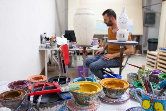 Laboratorio-artigianale-di-Ceramica-di-Vietri-Solimene-Art